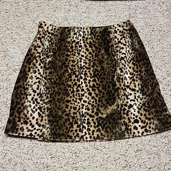 Hugo Buscati Dresses & Skirts - VINTAGE HUGO BUSCATI LEOPARD SKIRT